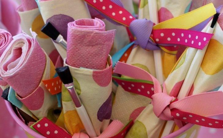 Every Little Artist Needs Prepare Spills Napkin Bundles