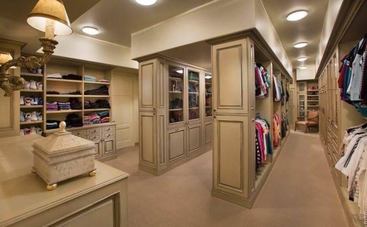 Fabulous Unisex Walk Closet Designs