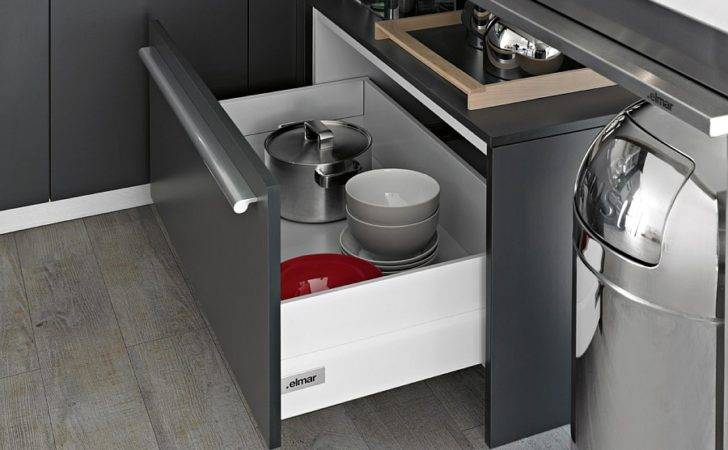 Fashionable Kitchen Shelves Complement Uber Elegant Look