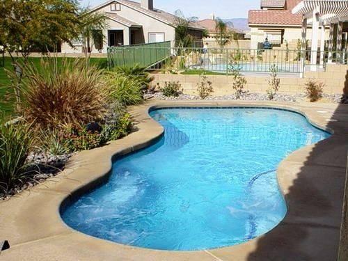 Fiberglass Ground Small Backyard Swimming Pool Really Nice Shape