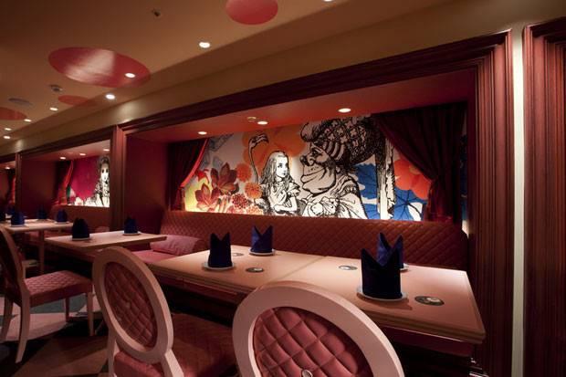 Fly Cloud City Alice Wonderland Restaurant Tokyo