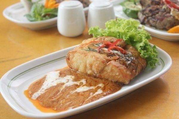 Food Promotion August Sai Chol Restaurant Thai Delights