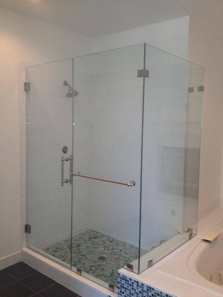 Frameless Glass Shower Door Precision
