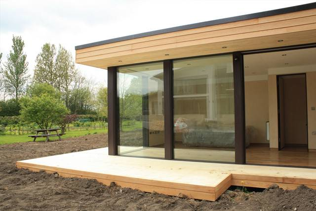 Garden Studio Length Windows Room Guide