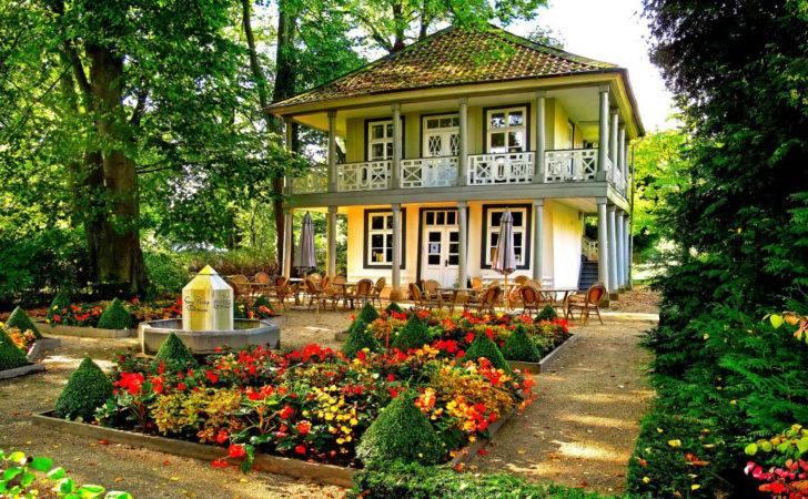 Gardening Beautiful House Garden