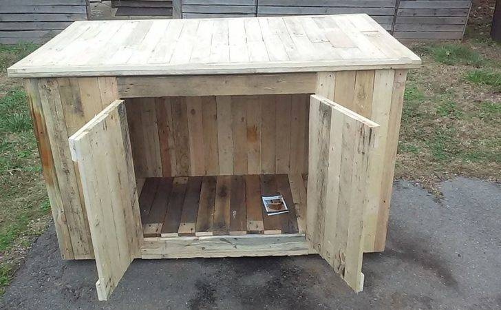Get Material Wood Pallet Dog House