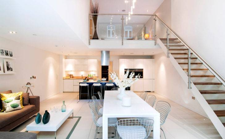 Glamorous Interiors Enclosed Contemporary Storey Townhouse