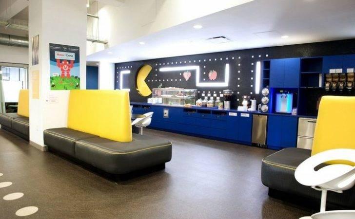 Google Office Tour Googles Cool Nyc Headquarters Retro Videos