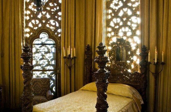 Gothic Victorian Bedroom Bed