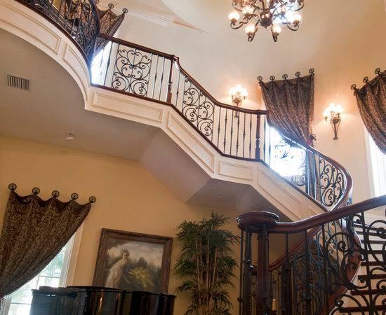 Grand Entrance House Interior Design Ideas