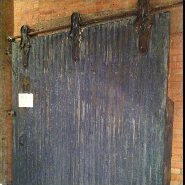 Great Industrial Sliding Door Pint