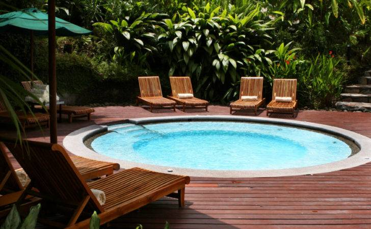 Ground Hot Tub Like Swimming Pool Great Place