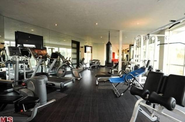 Gym Means Singer Won Even Have Leave Work His Fitness