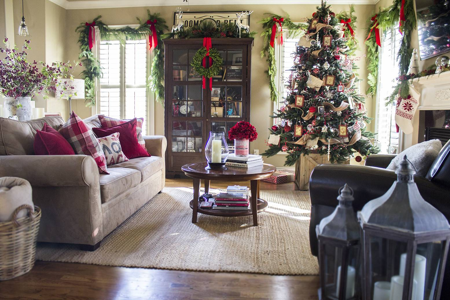 Holiday Home Tour Classic Christmas Decor