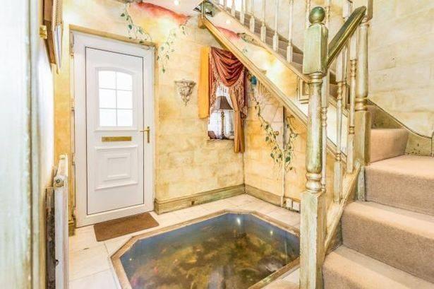 House Handsworth Comes Aquarium Under Hallway