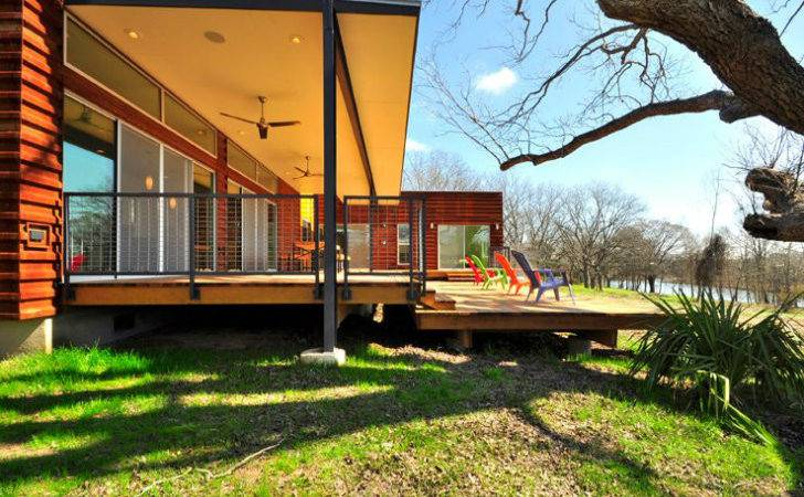 House Modern Green Prefab Near Austin Blanco River