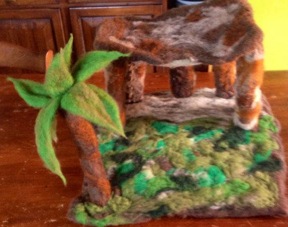Hut Palm Carded Wool Crib Play Mat Children