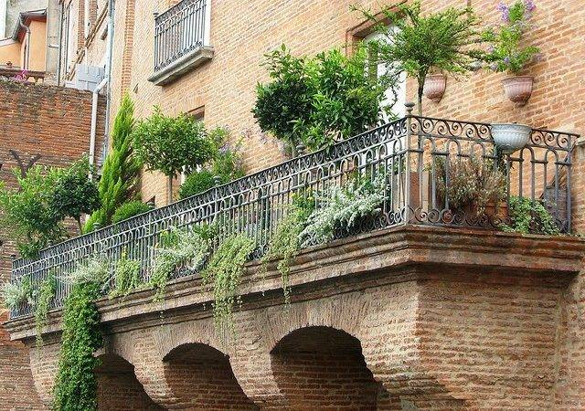 Ideas Beautiful Balcony Garden