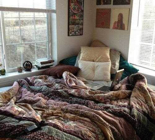 Ideas Make Comfortable Bedroom Pretty Designs