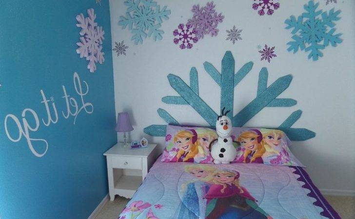 Impression Into Your Little Girls Bedroom Applying Frozen Themed