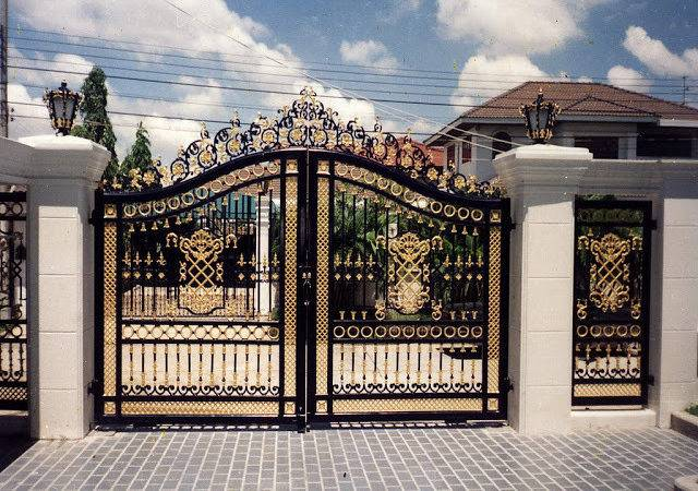 Iron Gates Design Kerala Home Floor