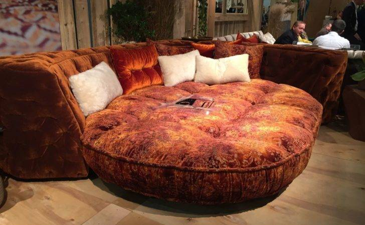 Kick Notch Decorating Round Beds
