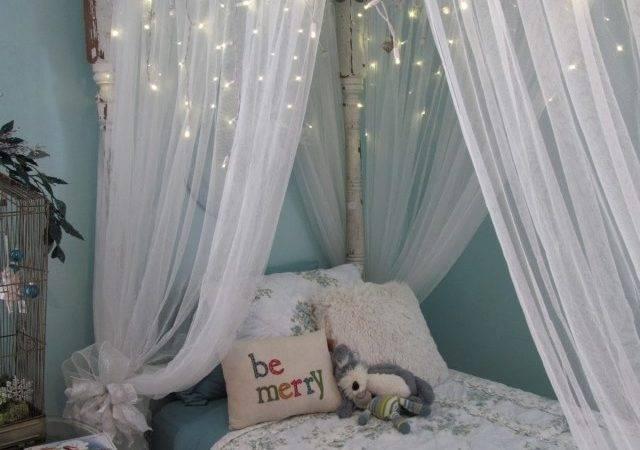 Kinderzimmer Maedchen Motto Eiskoenigin Schneeflocken Bettdecke