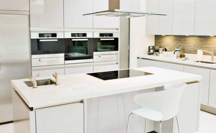 Kitchen Cabinets Offer Clean Shiny Look Your Modern