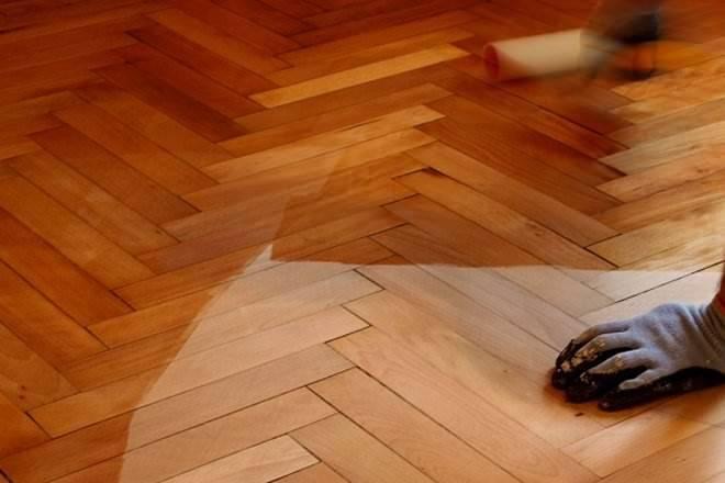 Laminate Hardwood Flooring Difference Comparison