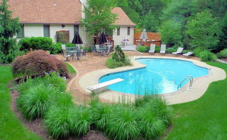 Landscaping Decorate Swimming Pool