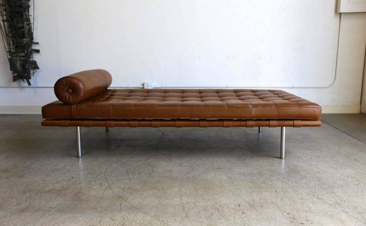 Leather Barcelona Daybed Ludwig Mies Van Der Rohe Stdibs