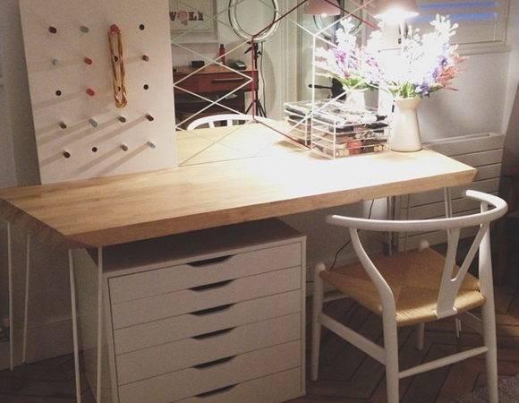 Light Brown Wooden Makeup Desk White Steel Base