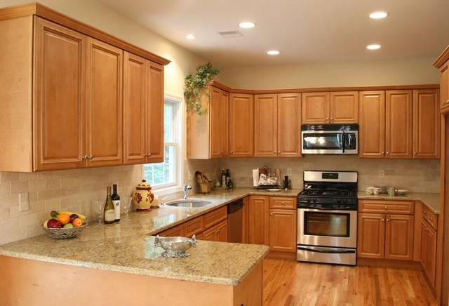 Light Kitchen Cabinets Home Design Traditional Cabinetry