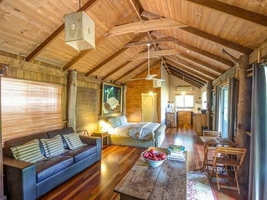 Log Cabin Interior Feb