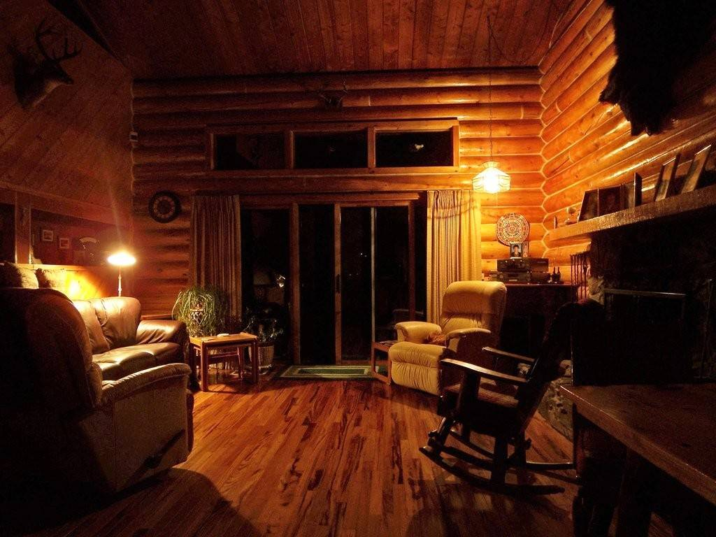 Log Cabin Interior Paul Jerry