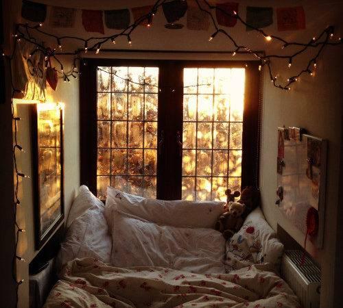 Love Winter Room Indie Bed Autumn Seasons Cozy Phoebelothian