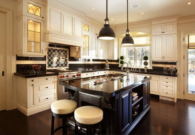 Lux Getaway Traditional Kitchen Toronto Parkyn Design
