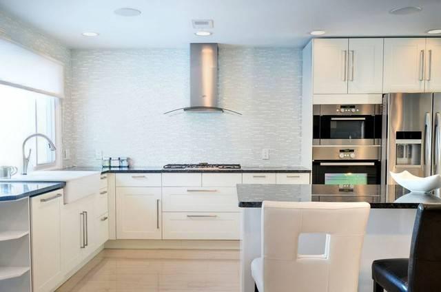 Lux Living Kitchens Modern Kitchen