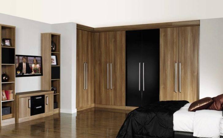 Luxury Fitted Bedroom Design Brown Grains Wood Black Built