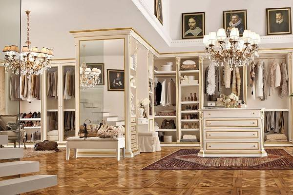 Made Italy Furniture Manufacturer Benedetti Mobili