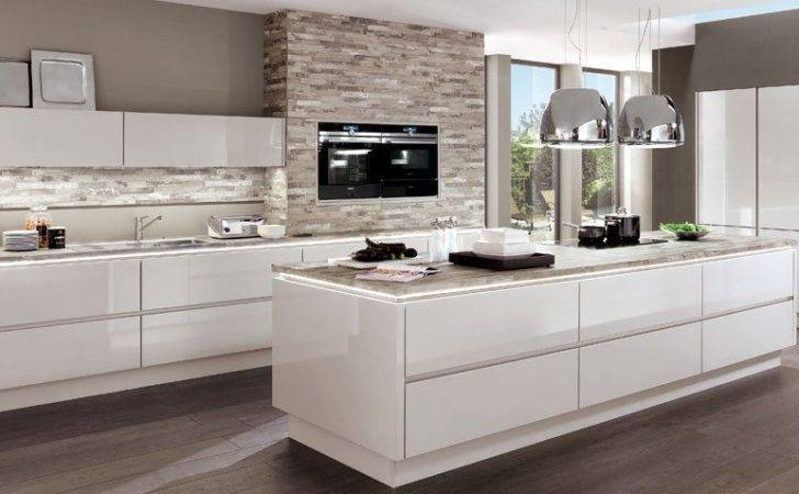 Made Lux Nobilia High Gloss Handle Less German Kitchen