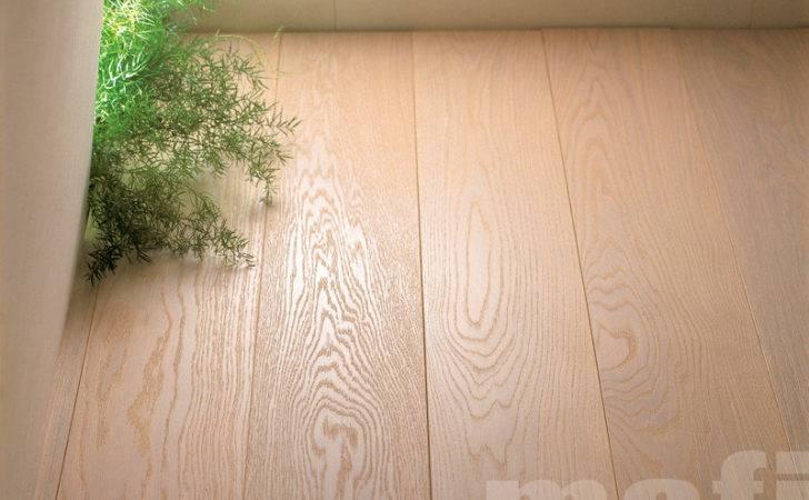 Mafi Oak Clear Hardwearing Light Sandy Coloured Wood