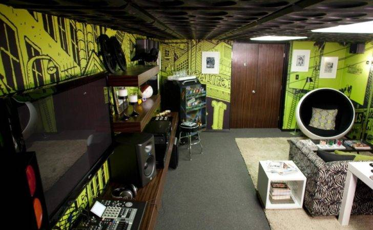 Man Cave Bedroom Decoration Using Light Green Living Room Wall Paint