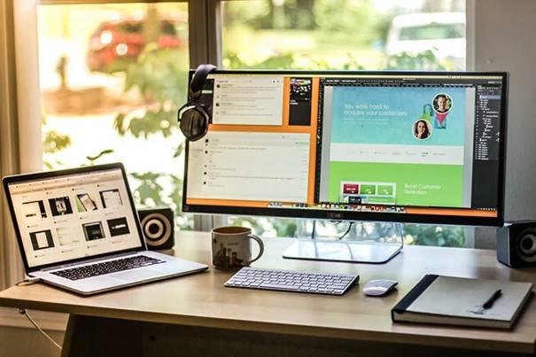 Minimalist Desk Workplace Minimal Setups