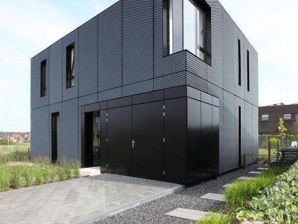 Minimalist Home Eye Catching Expanding Metal Exterior