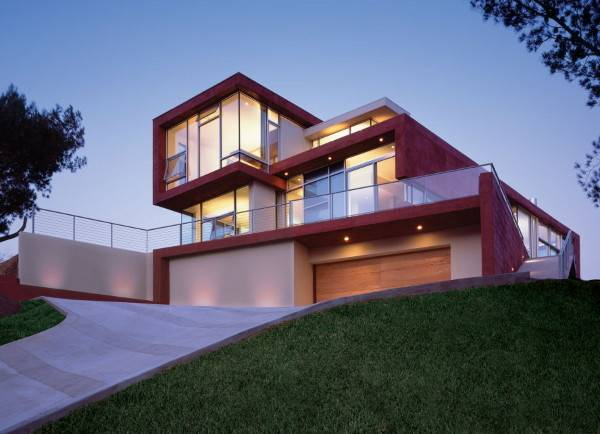 Modern Beach House Malibu Features Sustainable Design