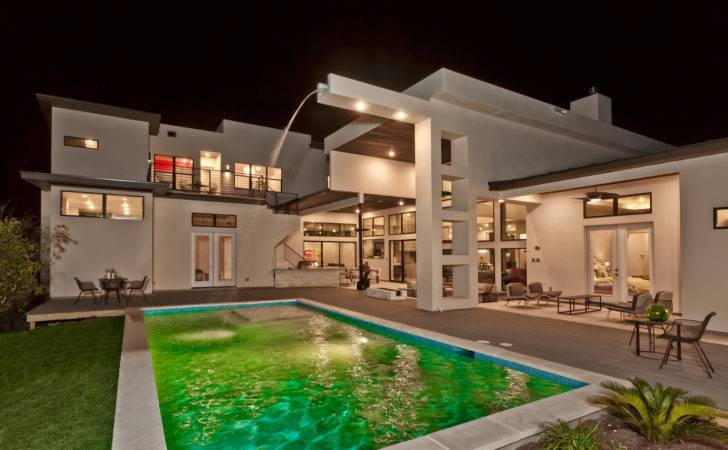 Modern Contemporary Custom Homes Difference