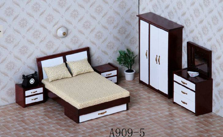 Modern Dolls House Furniture Doll