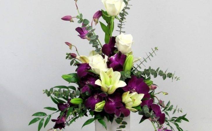 Modern Floral Arrangements Design Triangle Flower Arrangement