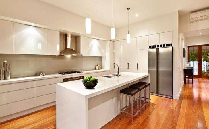 Modern Island Kitchen Design Using Hardwood